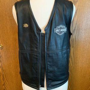 Harley Davidson Men's Leather Vest!  Like new!!